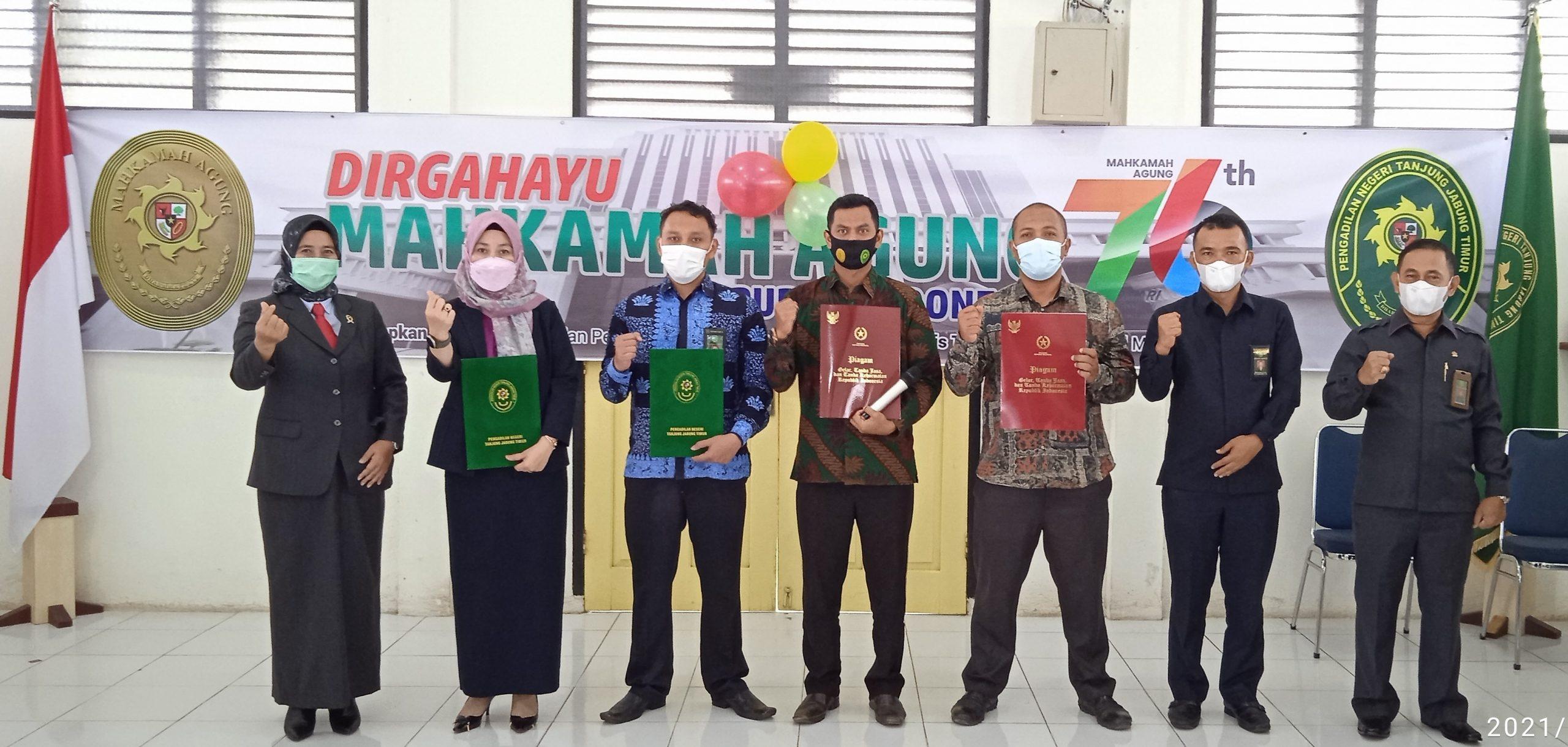 Penyerahan Satya Karya dan Satyalancana di Pengadilan Negeri Tanjung Jabung Timur